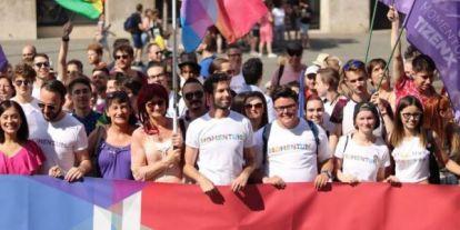Úgy készül a Pride-ra most a baloldal, mint régen a május elsejékre – Jakab dinnyét eszik (Élőben a PS-en délután)