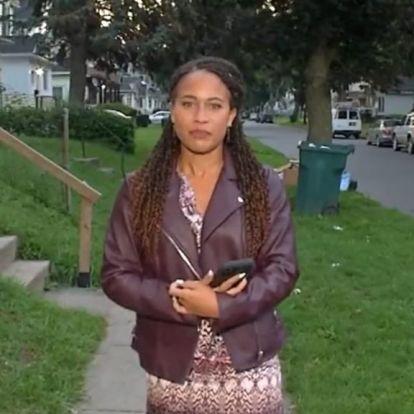 Az élő utcai bejelentkezése előtt zaklattak egy tévériportert, mikor a kamera már forgott