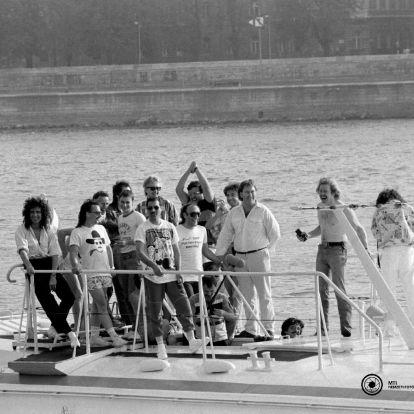 Annyi áramot fogyasztottak a Népstadionban, mint egy egész város: 35 éve rázta meg a Queen Budapestet – FOTÓK