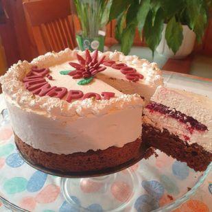 Fehércsokis torta gyümölcszselével