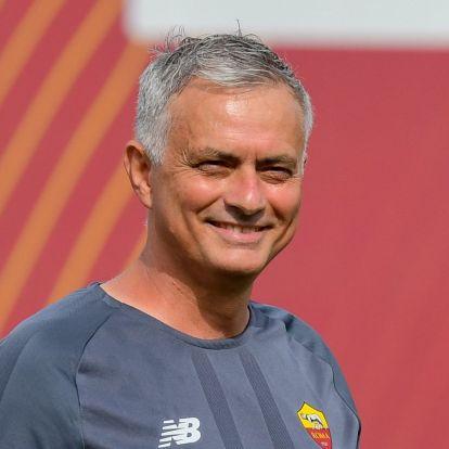 Mourinho szerint rémálom a Fortnite, a futballisták egész este videojátékoznak