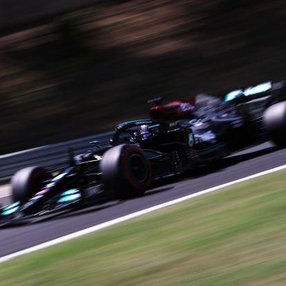 F1: Hamiltoné a pole Mogyoródon, összetörtek egy Ferrarit