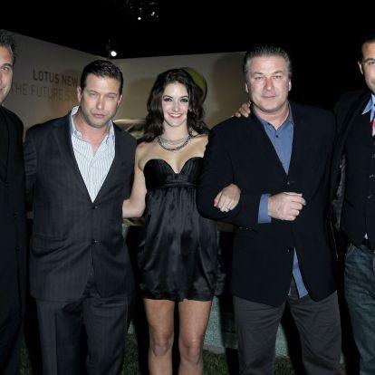 Mi a közös Angelina Jolie-ban, Hailey Bieberben és Zoë Kravitzben? A híres család!