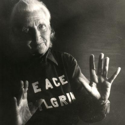 28 éven át gyalogolt a háborúk ellen egy nő – ez Peace Pilgrim története