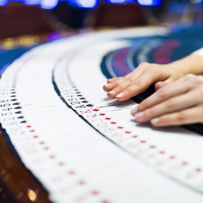 Businessmen with Close Ties to Ruling Fidesz Acquire Concession Rights to Hungary's Most Profitable Casinos for 35 Years