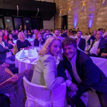 Ördög Nóra és Istenes Bence az év műsorvezetői a televíziós újságírók szerint