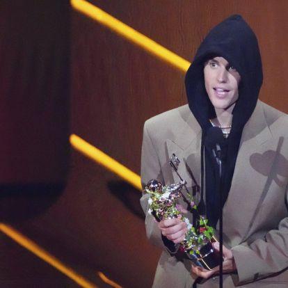 Hat év után grandiózus show-val tért vissza Justin Bieber a VMA színpadára