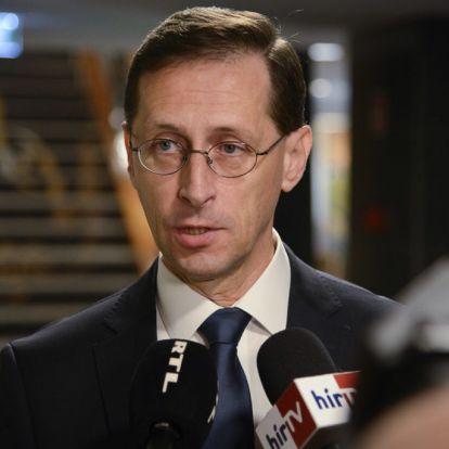 Varga Mihály: Október végéig tart a hitelmoratórium