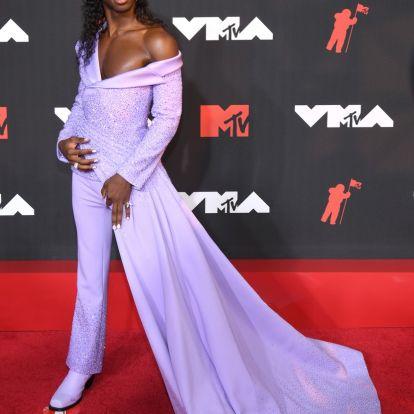 Fotókon az MTV VMA díjátadó legemlékezetesebb szettjei: így vonultak a vörös szőnyegre a sztárok
