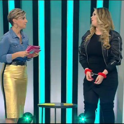 Ábel Anita nagyszerűen néz ki az arany szoknyájában