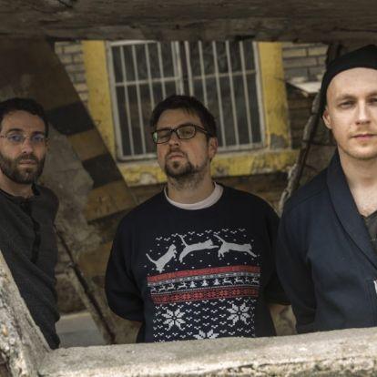 Free jazz, rock és ázsiai népzenék keverednek a JÜ új dalaiban – lemezpremier
