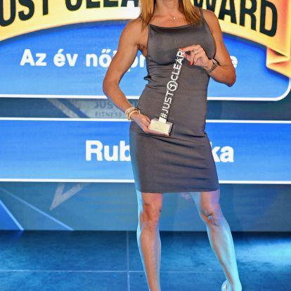 A legfittebb közszereplőket díjazták: csodás szettekben jelentek meg a hírességek a Just Clear Awardon