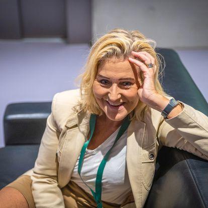 Kérdezze meg bármelyik diktátort, hogyan kell törvényesnek tűnve elérni a céljait! Orbán ebben kitűnő volt