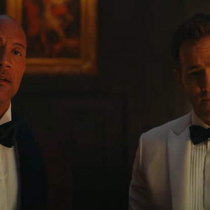 Kijött egy 3 perces, magyar feliratos jelenet Ryan Reynolds, Dwayne Johnson és Gal Gadot közös filmjéből