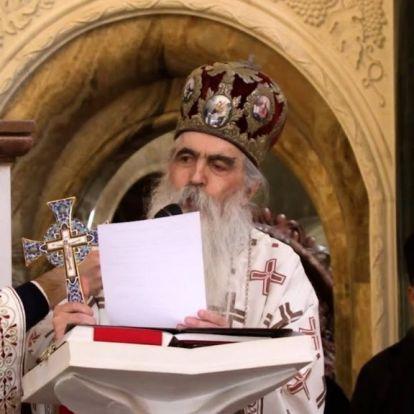 """Három éve még a """"magyarizációról"""" beszélt az Áder János által kitüntetett szerb püspök"""