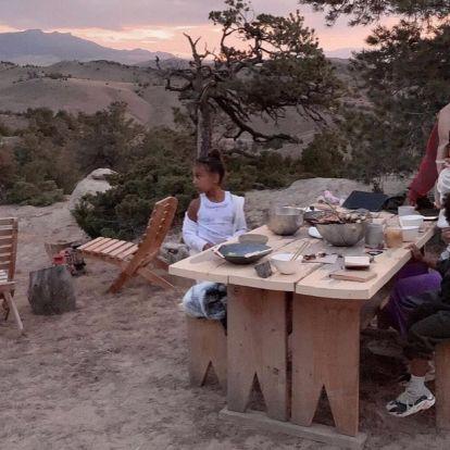 Канье Уэст продает семейное ранчо в Вайоминге