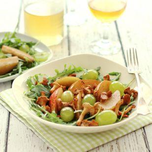 Rókagombás-körtés-szőlős saláta