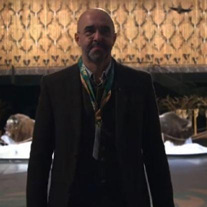 Videóval: Horrorfilmbe is jól illő jelenetet osztott meg Kovács Zoltán a vadászati kiállításról